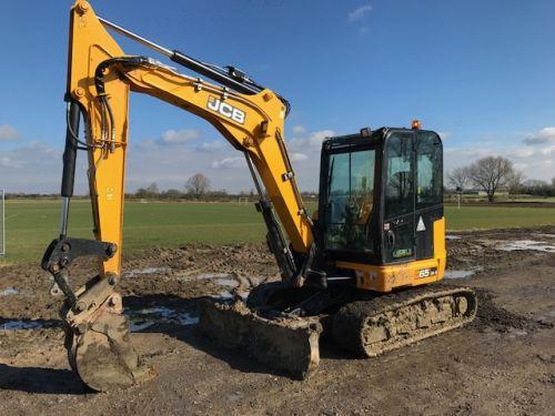 6 tonne midi excavator for hire, midi digger for hire